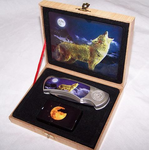 HOWLING WOLF WITH LIGHTER BOXED KNIFE (Sold by the piece) #KN450