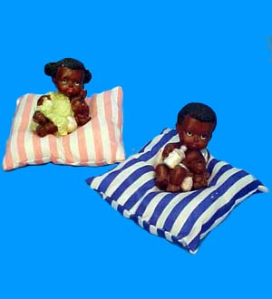 Poly. Baby On Pillow FIGURINE -D #WB5398